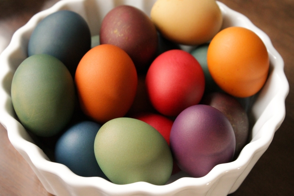 Thread Bears® Blog / He is risen! RIT dye royal-hued eggs