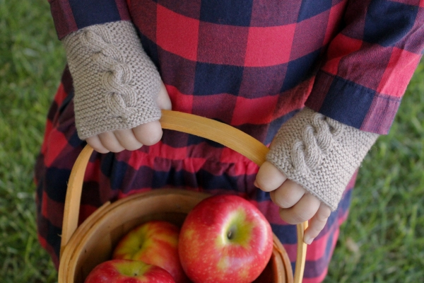 Avery Hand Warmers by Rhonda Potteet of Thread Bears®