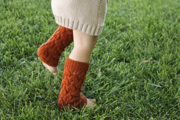 Leaf Collecting Leg Warmers PDF Knitting Pattern by Rhonda Potteet of Thread Bears®